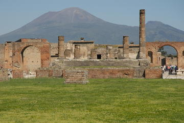 Pompeii and Mount Vesuvius Day Trip from Naples