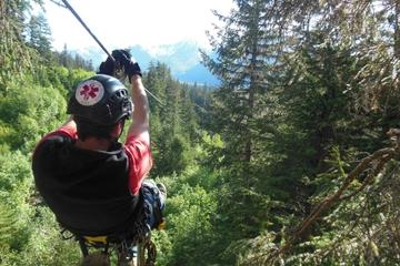 Aventura de tirolesa em Talkeetna saindo de Anchorage