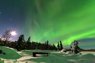Excursión de dos días para ver la aurora boreal con paseo en trineo...