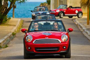 Excursão em um Mini Cooper conversível saindo de Punta Cana