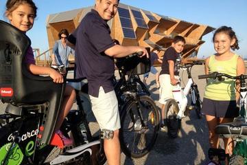 Rundtur med elcykel i Barcelona med tapas och dryck