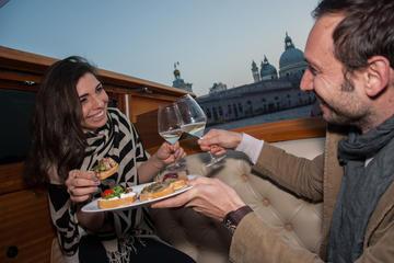 Crucero en taxi acuático en Venecia...