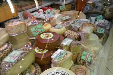 I sapori del tour per piccoli gruppi a Lucca con degustazione di cibo