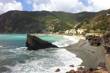 Monterosso Aperitivo Tour with Local Food and Wine
