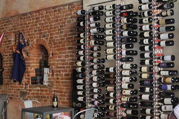 Tour con aperitivo a Lucca e degustazione di vino e cibo