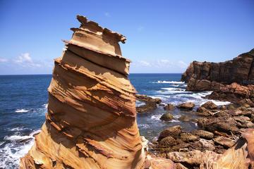 台湾北東の海岸プライベートツアー:台北発、龍洞…