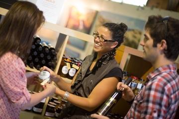 Experiência particular de degustação gourmet de vinhos e alimentos na...