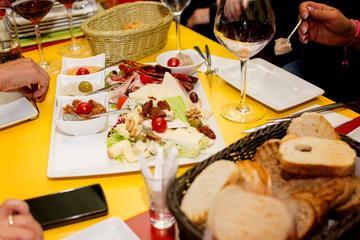 Budapest: Weinkultur-Tour inklusive ungarische Snacks und Sightseeing
