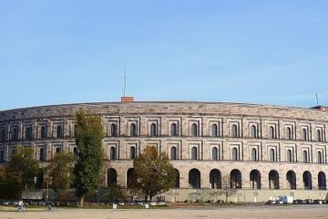 Tour privé : excursion d'une journée à Nuremberg avec transport en...