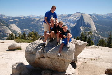 Wandeltocht met gezin in Yosemite