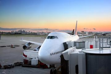 Private Departure Transfer: Naha to Naha Airport