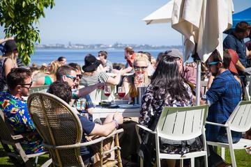 Vines of the Bellarine: Craft Beverage Tour from Geelong