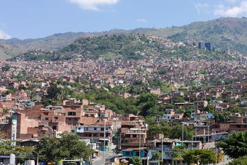 Medellín by Metro: Botero Plaza...