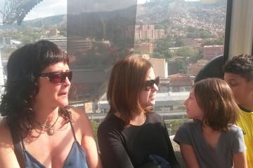 Medellín City Tour Including Metro Cable and Food Tour