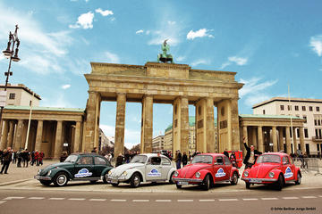 Berlin Discovery Tour in an Oldtimer Volkswagen Beetle
