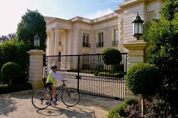 Excursão de bicicleta autoguiada pelas casas de celebridades e locais...
