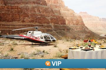 Viator VIP: Grand Canyon-helikoptertur, med middag i solnedgangen