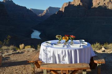 Viator VIP: Grand Canyon mit dem Hubschrauber mit köstlichem Frühstück