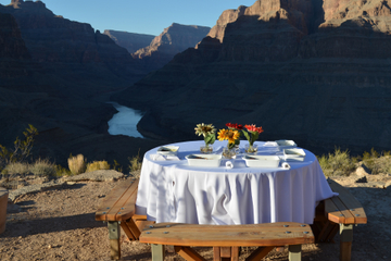 VIP da Viator: Grand Canyon de helicóptero com café da manhã gourmet