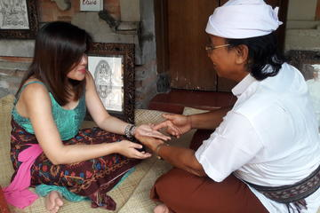Bali Hand Reader Tour