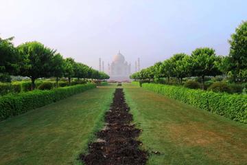 From Delhi : 2 Days Agra Overnight Taj Mahal Tour