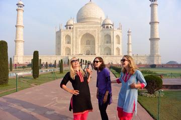 Private Trip: Sunrise Taj Mahal Tour With Agra Fort, Mehtab Bagh and Fatehpur Sikri with All Inclusive