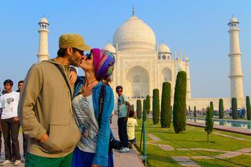 Taj Mahal Tour For couple