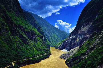 Private Tour to amazing Tiger leaping Gorge