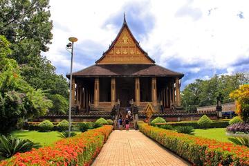 Excursion d'une demi-journée en vélo à Vientiane