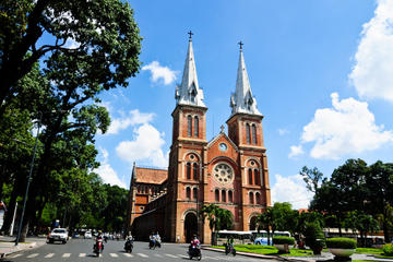 Private Tour: Ho Chi Minh City in a...