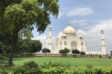 06 Hours:Taj Mahal Tour