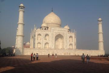 A Marvelous Trip with Taj Mahal