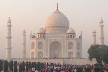 A Place of Fascinating Tomb with Taj Mahal