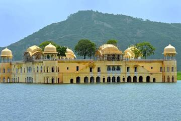 Explore The Royal City Jaipur from Agra