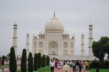 Golden Triangle Tour for 3 Days by Innova car