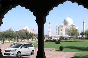 Transfer from Agra to New Delhi by Private Car