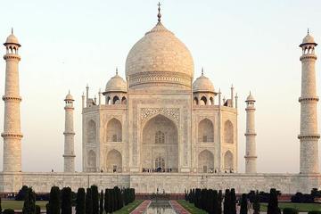 Trip to Taj Mahal via abode of Lord Krishna