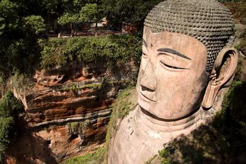 Private Day Tour to Leshan Giant Buddha & Huanglongxi Ancient Town