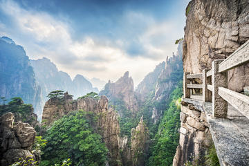 3-Day Huangshan Mountain Experience from Shanghai by High-Speed Train