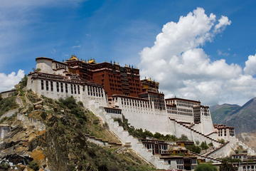 3-Night Lhasa Tour Including Potala Palace and Yamdrok Yumtso