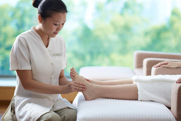 Put Up Your Feet: A Foot Massage Including Hotel Pickup in Shanghai