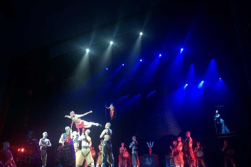 spectacle-shaolin-kung-fu-au-theatre-rouge-de-pekin