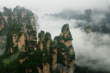 Zhangjiajie 2-Day Private Tour: Tianmen and Tianzi Mountains