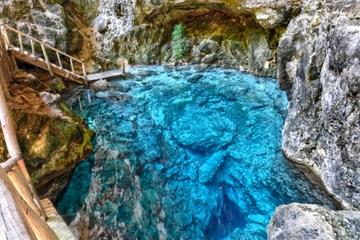 Visita al cenote Hoyo Azul en Scape Park desde Punta Cana