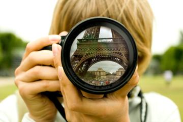 Balade privée à pied à Paris avec un photographe personnel