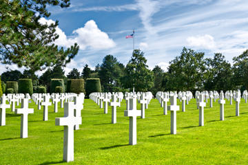D-Day Tour Including Guided Museum Visit and Lunch