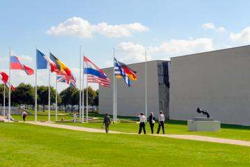 Entrée au musée du Mémorial de Caen et tour guidé des sites du...