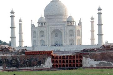 Sunrise Day Tour of Taj Mahal for Couples