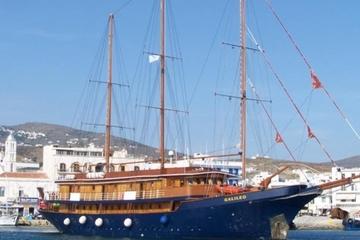 Cruzeiro com 7 noites nas ilhas gregas Cíclades: Santorini, Paros...
