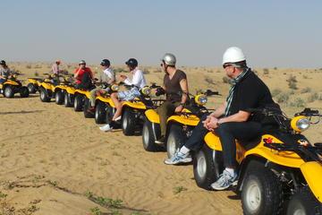 Kør-selv-buggy eller -quad-bike i ørkenen med transport fra Dubai